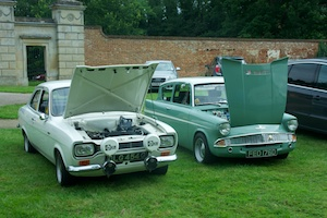 Jim Dudley's Escort and Paul Dudley's Anglia
